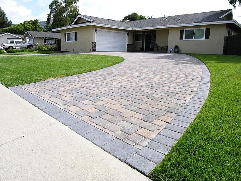 Semi circle driveway designs for Half circle driveway design