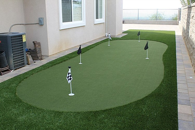 Gallery - Grass & Putting Greens